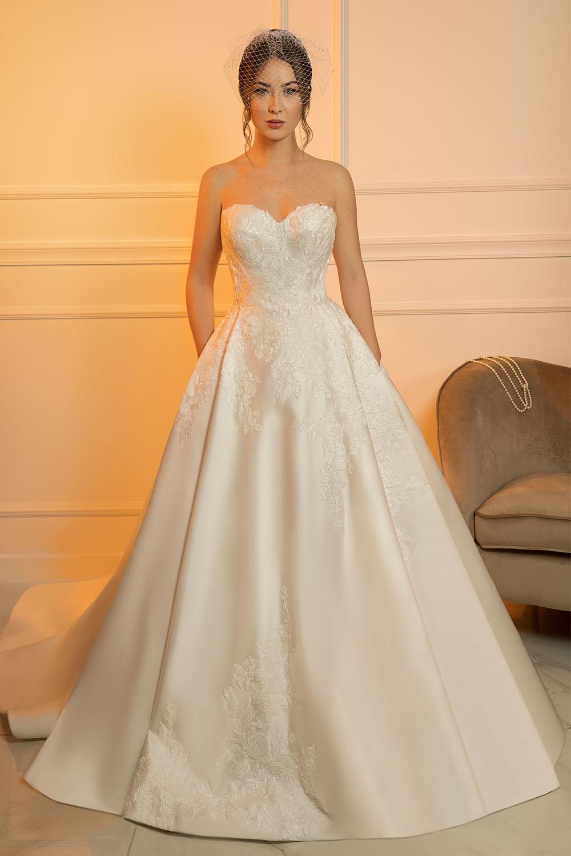 robe de mariée bustier princesse en satin